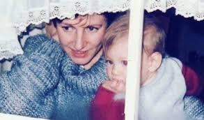 Маленький Том Хоппер с мамой