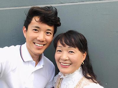 Джастин Мин с мамой