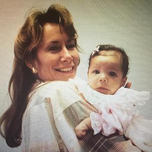 маленькая Эмми Рэвер-Лэмпман с мамой
